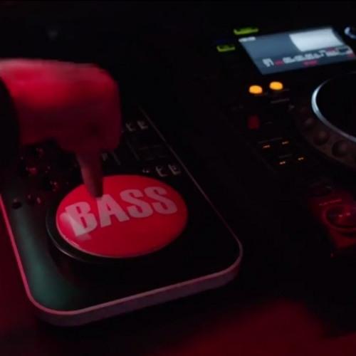 Davvincii Feat Lil Jon - When Will The Bass Drop (CVL3X R3MIX)