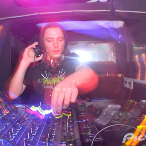 MR DJ Zork - Warped Vs Push Forward Radio Show Guest Mix