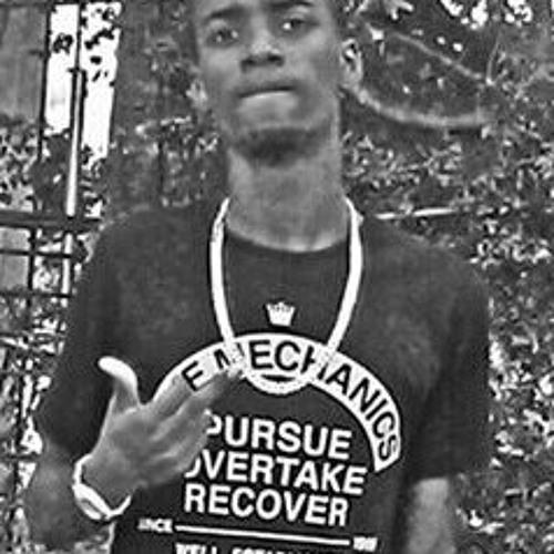 Mazarodie Banks Dark Hose freestyle