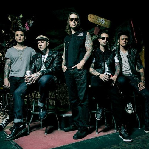 IN LBC SHOW-DOWNLOAD-AVENGED THE SEVENFOLD BAIXAR LIVE