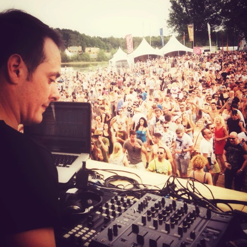 Pole Folder - Live at Extrema Outdoor Belgium - 07.06.2014