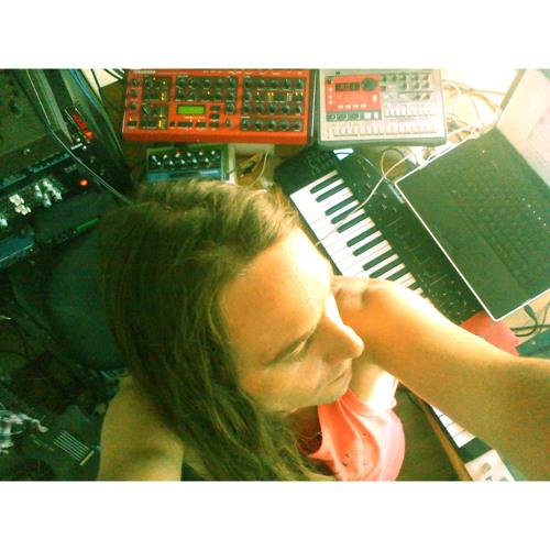 """Slavaki - Change Your Mind (Vocals Ivy Vandervorst) // 12"""" out 12.12.14 www.elusiverec.co.uk"""