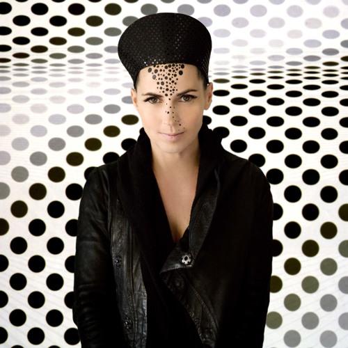 i-DJ: Anja Schneider