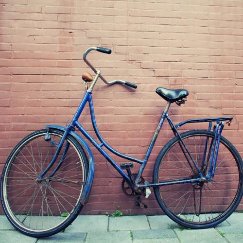 Darf man das Fahrrad auf dem Gehsteig abstellen?