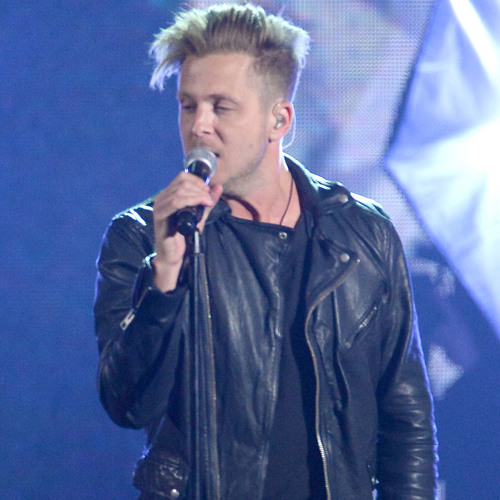 Does Ryan Tedder Prefer to Write With Artists or by Himself?