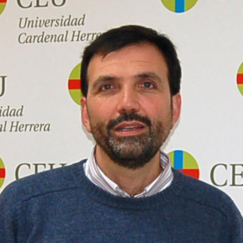 Estudio del CEU sobre economía. Entrevista profesor Enrique Lluch