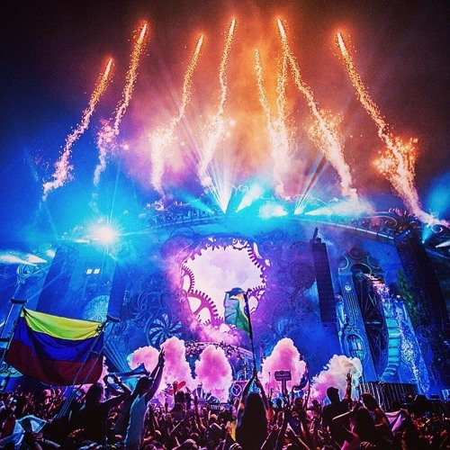 Tiësto at Tomorrowland 2014 (Day 3) [Weekend 2]