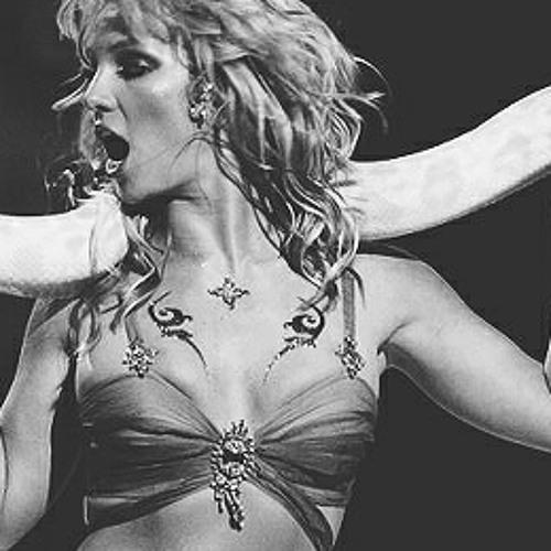 Britney Spears   I'm A Slave 4 U (Live NFL 2003)