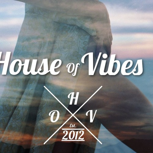 Tasos Pilarinos - Downtown (Club Mix) [Free Download by HouseOfVibes]