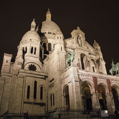 Listen to the sound of the Montmartre cobble stones.