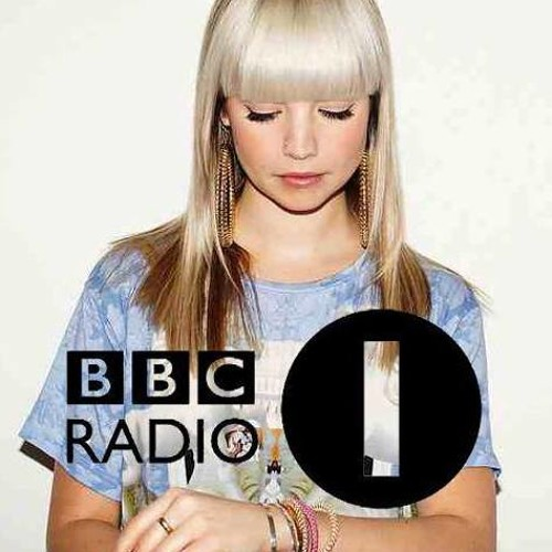 B.Traits [BBC Radio 1] premiering: Ejeca - Alone (David Jach Remix)