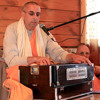 Nirañjana Swami Leads Chanting of Dāmodarāṣṭakam