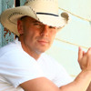 Tracy with Kenny Chesney