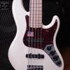 sample_Fender-V