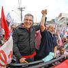 Ao lado de Padilha, Lula fala à população de Franco da Rocha