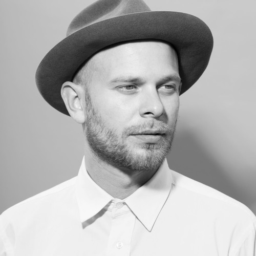 i-DJ: Tom Trago