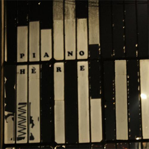 PIANO-HERE
