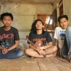 Aku ( Pass Band Cover ) with Ekew ( Vocal ) and Dwi ( Lead Guitar ) at Kosan Yasin