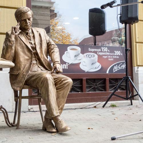 Kligl Sándor nyilatkozata a Weöres Sándor-szobor avatóján