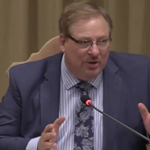 Rick Warren portrays marriage equality as just a fad