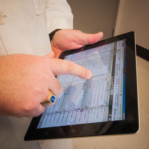 Health Care, IT Industries Working  to Digitize Patient Records