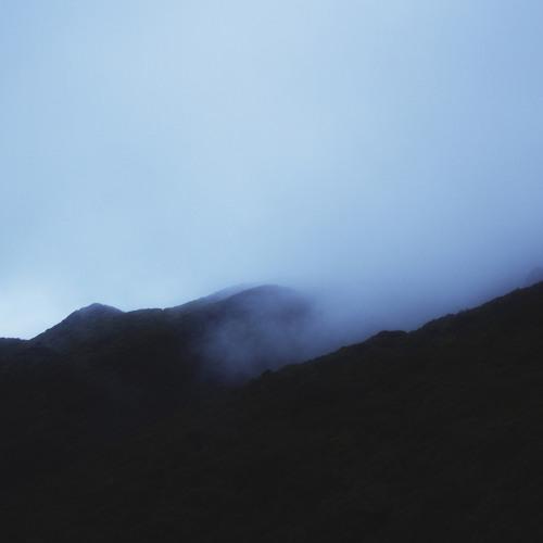Lontalius - Light Shines Through Dust