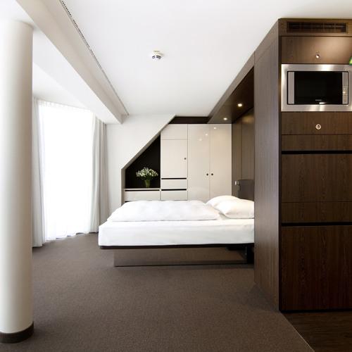 Serviced Apartments - Neues Must-have im Hotelmix - Interview mit Tim Düysen und Nicole Piefrement
