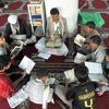 صوت عجيب طفل مبكي في تلاوة القرآن very very very nice quran reading