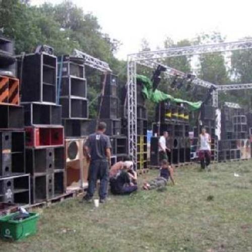 SuBuRbASs - Live Czechtek 2003 with NSK-METEK-UBIQ-LXR-CABARET Sound Systems - Part1