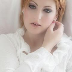 Kate Rose - I Fall To Peaces