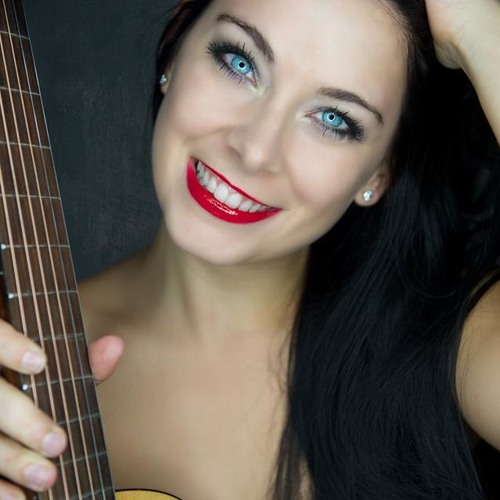 Kompliment Cover - Sängerin Helen Pfaff aus Frankfurt