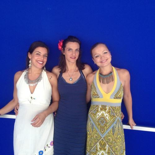Vlada Tomova's Bulgarian Voices Trio - Trugnala E Malka Moma