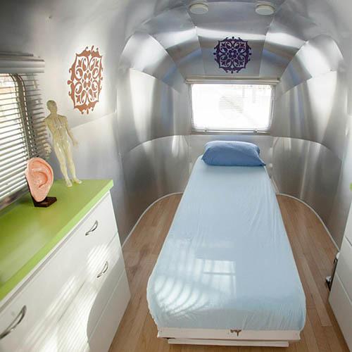 #37 Minimalist Design: Airstream Acupuncture Clinic