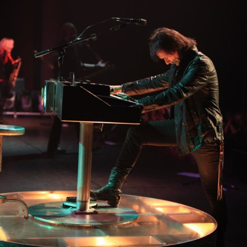 Lawrence Gowan: My wife loves you. Oh, and Styx in Indiana!