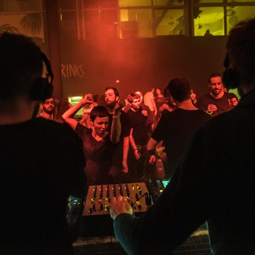 Wulff Modern vs. Mickey Munday || Sunday Afternoon Collective || Paradigm Groningen (25-01-2015)