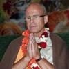Bhakti Bringa Govinda Sw Bhajan - Guru Puja - 2003 - 06 - 08 SVD Farm