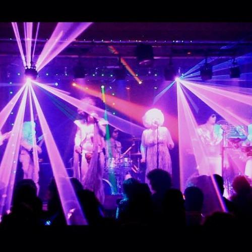 Uptown Funk Live In Toddington!