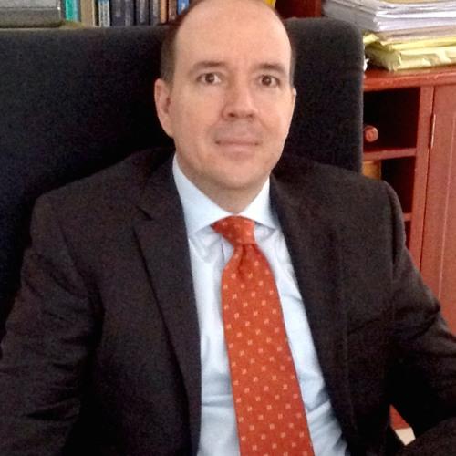 Riesgos legales en el manejo de información de clientes - Entrevista Luis Felipe Tenorio