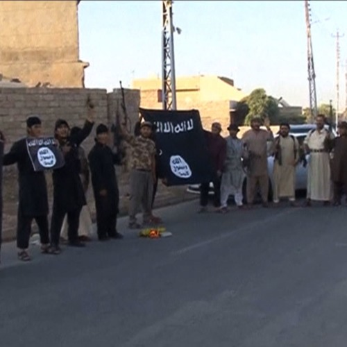 Noam Chomsky on How the Iraq War Birthed ISIS & Why U.S. Policy Undermines the Fight Against It