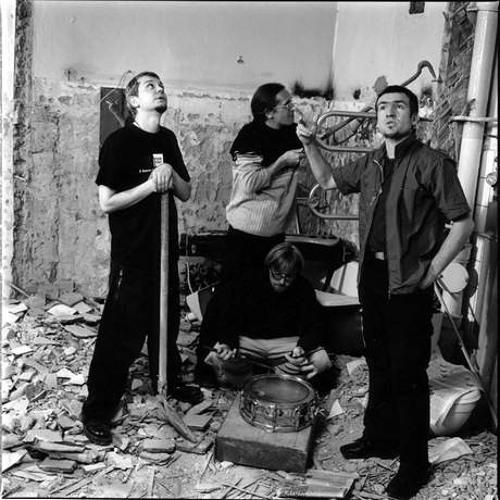 Найвялікшыя беларускія песьні: N.R.M. - Паветраны шар (1998)