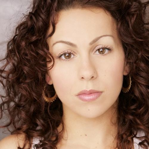 150425 - Leila Arias - Radio Play