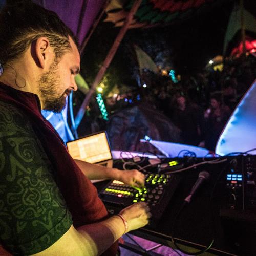 Hedflux DJ set - Live at Sunrise Leeds April 2015 by Hedflux