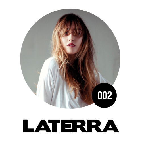 Page 1 | LATERRA mixes 002 | Carola Pisaturo. Topic published by DjMaverix in Mixset and Podcast (Music Floor).