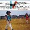 Lovely | Twenty One Pilots Portada del disco