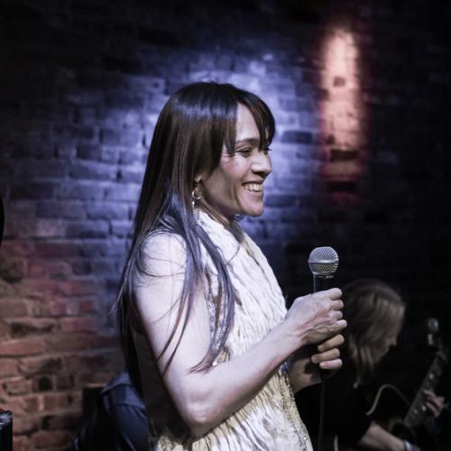 Hannah Reinmann- CaseofYouLIVE