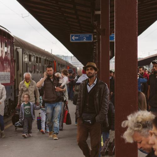 150528 DBNL Vluchtelingen Servie