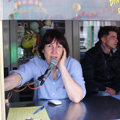 Patricia Kinzler Heizt Den Gästen Ein By Auf Der Freiburger Mess