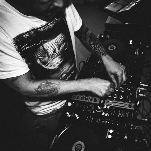 Ian robinson move to the music june 2015 oldskool for House music set