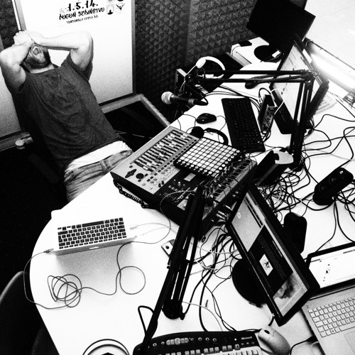 "Zero Radio Show hosted by Jan Kinčl Zero (re-located to iTunes podcast ""CYCLE SESSIONS"")"