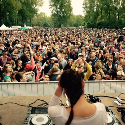 DjaneKimie_SummerOpening2015